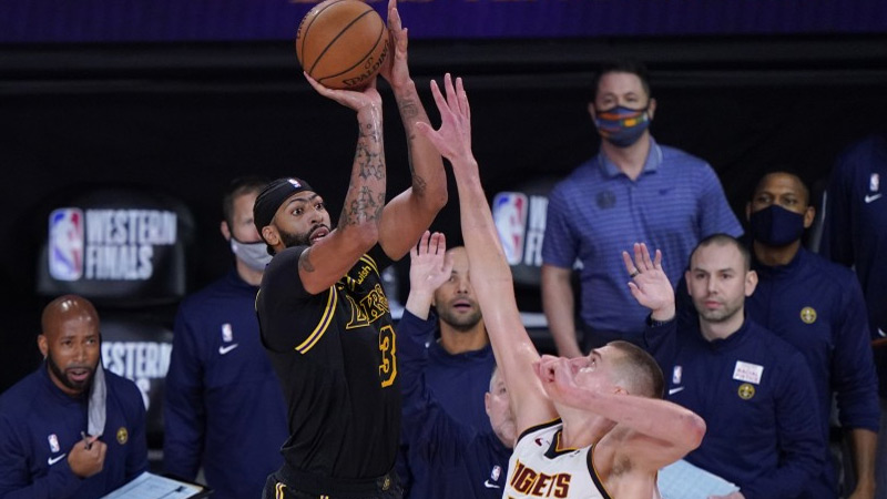 Davis leads Lakers to victory against Denver with buzzer ...