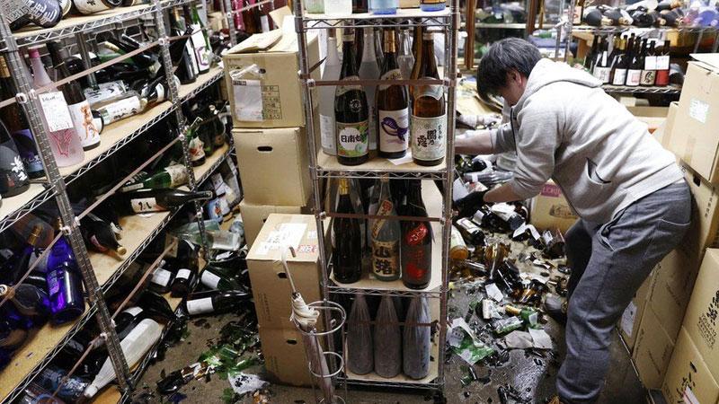 M7.1 quake strikes off Fukushima, Japan